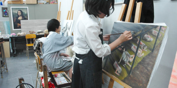 「次世代と描く原爆の絵」の制作を行っています