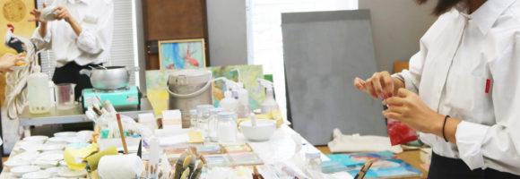 創造表現コース授業レポート(3年生 日本画)大作自画像制作