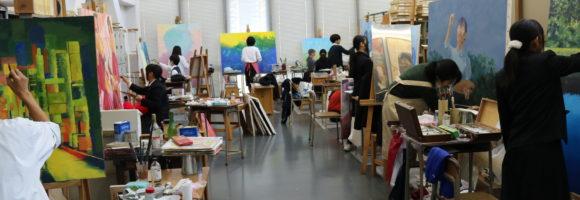 創造表現コース授業レポート(3年生 油絵)油絵大作も佳境に入っています。