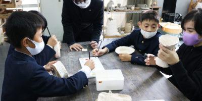 白島小陶芸教室(絵付け)を行いました