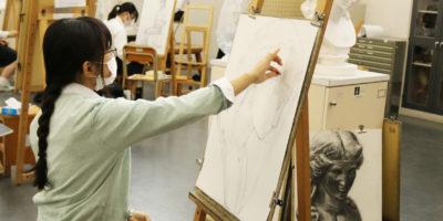 【美術部活動レポート】3年生 入試実技対策の様子