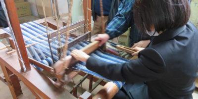 創造表現コース二年次美術研修(3日目:藍染・彫漆体験)