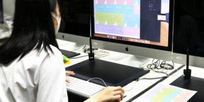 創造表現コース授業レポート「3年情報メディアデザイン 名刺制作」