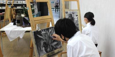 【美術部レポート】前期専門講座(短期)を行いました